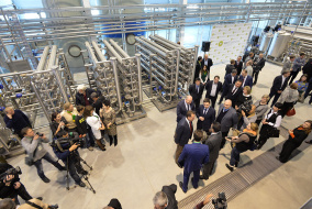 Торжественная церемония открытия первого в России завода по производству белкового концентрата состоялась в Республике Алтай.