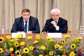 Несмотря на проблемы российское фермерство год от года повышает эффективность своей деятельности. Будет государство поддерживать малый сектор или продолжит и дальше отдавать предпочтение развитию крупных агрохолдингов?