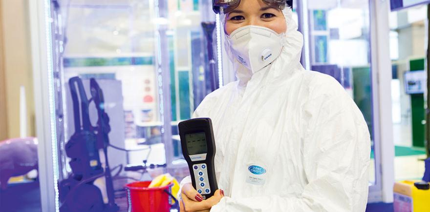 Биобезопасность стала центральной темой информационного центра выставки. В этом году он состоял из «демокуба», где демонстрировалось оборудование и средства для очистки и дезинфекции, и лекционного зала.