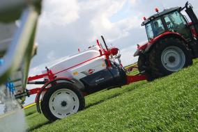 Несмотря на статус новинки, опрыскиватели линейки Metris 2 фирмы Kuhn уже доступны для заказа российским аграриям. Осталось дождаться их появления на полях.