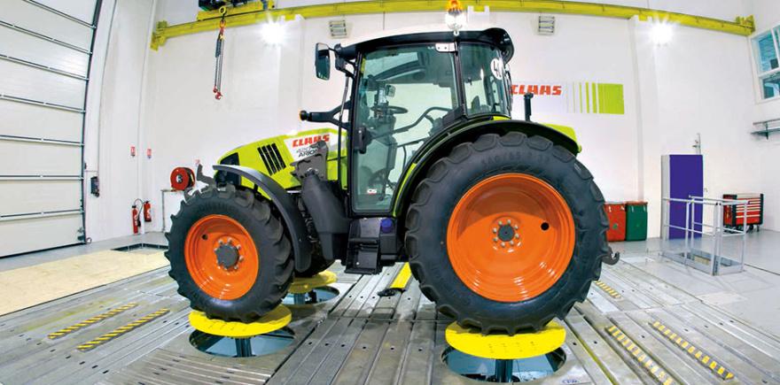 Один из двух новых испытательных стендов компании Claas во французском Транже: проверка на прочность тракторов и комбайнов.
