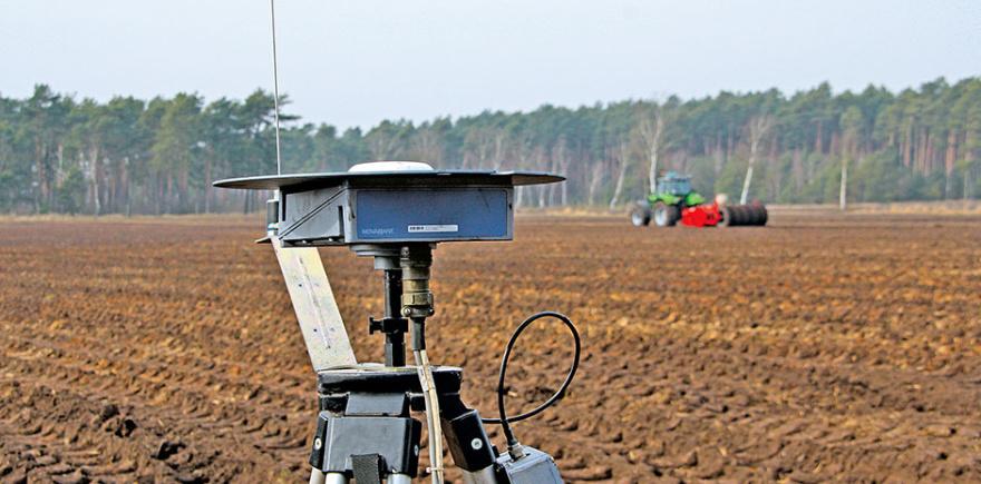 Наряду с современным программным обеспечением точное земледелие нуждается в мощном техническом оснащении: в бортовых компьютерах, датчиках, сенсорах.