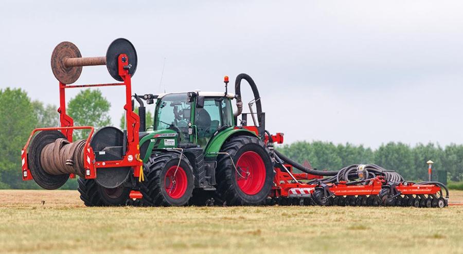 Появление на полях все более мощных тракторов сказалось на работах по внесению навозной жижи.