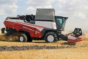 Высокопроизводительный зерноуборочный комбайн RSM 161 – совершенно новая машина в линейке техники Ростсельмаша. @ Фото: фирма